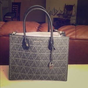 Michael kors handbag and cross shoulder bag